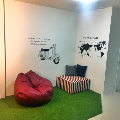 HOMEY-Donmueang Hostel photo 11