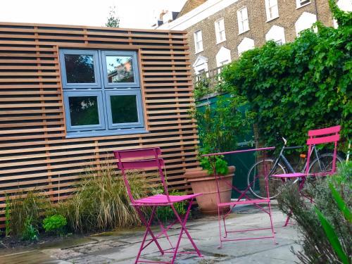 Photo - Camden Town Garden Cabin