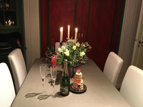 Room close to E18, Asker, Norway., Asker
