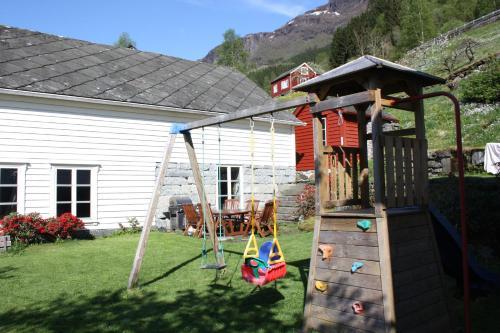 Graaten In Hardangerfjord - Photo 4 of 17