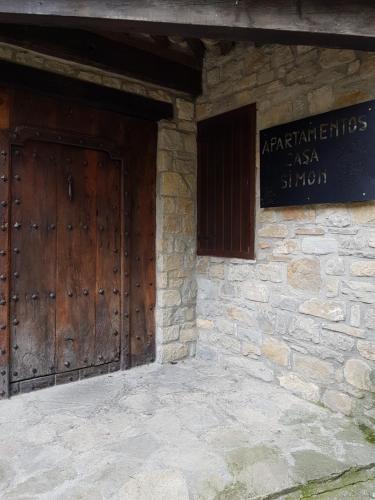 . Casa Simón