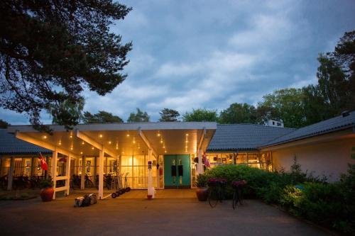 . Strandhotel Balka Søbad