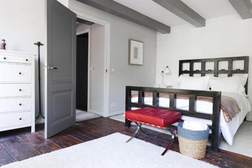 Former Rembrandt workshop two bedroom apartment photo 49