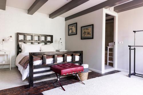 Former Rembrandt workshop two bedroom apartment photo 25