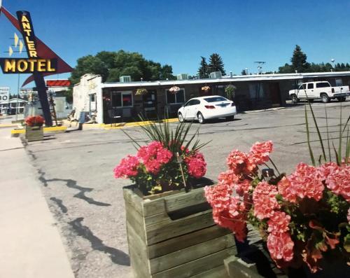 . Antler Motel