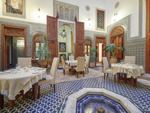30 Derb el Amer, Zkak Roumane, Fes Medina, Morocco.