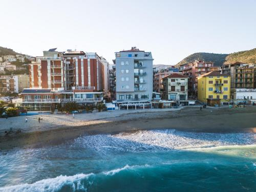 Hotel Maremola Pietra Ligure Da 104 Volagratis