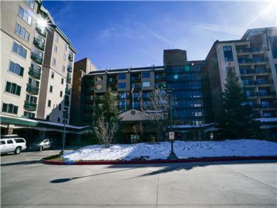 Sheraton Condominium 704 - Steamboat Springs, CO 80487