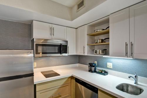 Homewood Suites Hartford/Windsor Locks - Windsor Locks, CT CT 06096