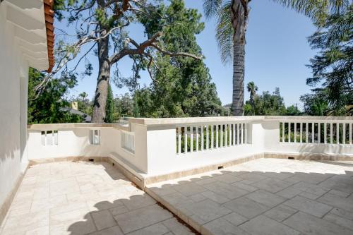 Los Angeles Luxury Private Estate - Los Angeles, CA 90027