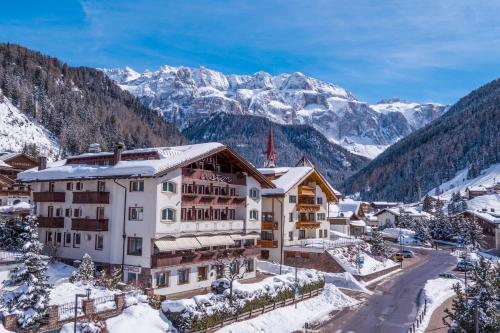 Astor Suites B&B - Hotel - Selva di Val Gardena
