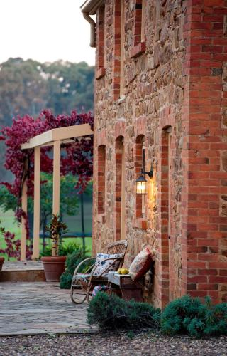 . Byronsvale Vineyard and Accommodation