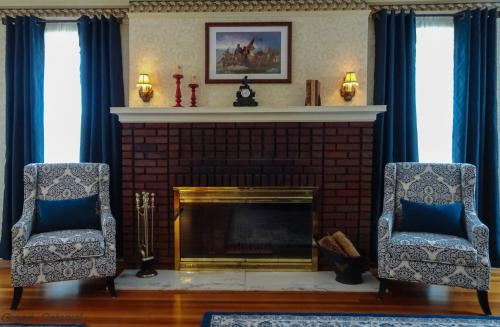 . Grand Colonial Bed and Breakfast