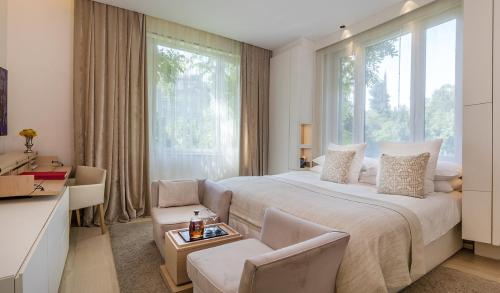 Double room (1 or 2 people) ABaC Restaurant Hotel Barcelona GL Monumento 16