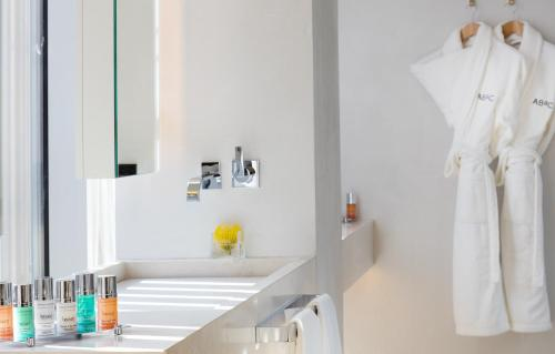 Double room (1 or 2 people) ABaC Restaurant Hotel Barcelona GL Monumento 26