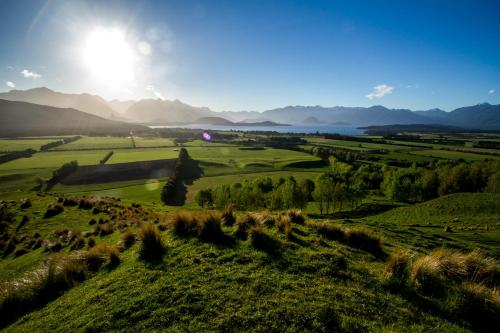 268 Hillside-Manapouri Road, Te Anau 9679, New Zealand.