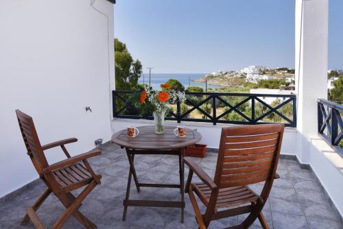 Glafki Rooms Syros (B&B)