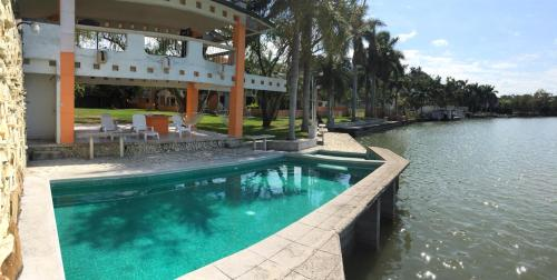 HotelSuite Chairel Standard
