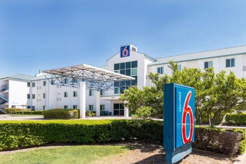 Hotel Motel 6 Dallas - Fort Worth Airport North 1