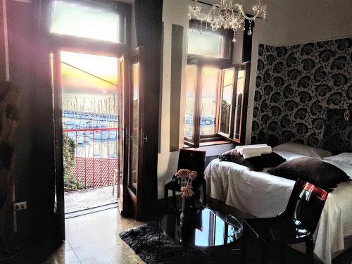 . Hotel Mignon