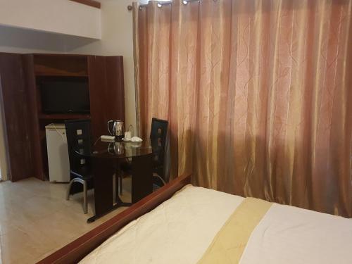Royal Hotel, Greater Monrovia