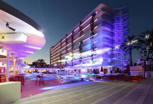 Carretera Playa D'en Bossa, 10, Playa d'en Bossa 07817, Ibiza, Spain.