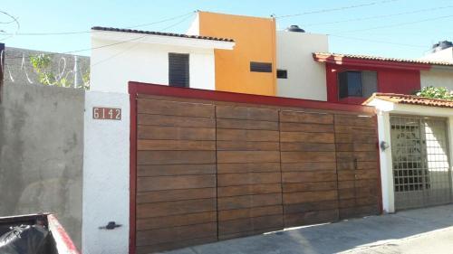 . Casa Lola Galerías