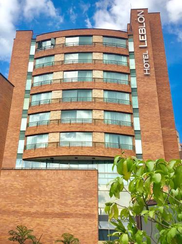. Leblón Suites Hotel