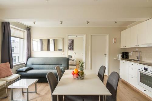 TOWN SQUARE Apartments.  Foto 1