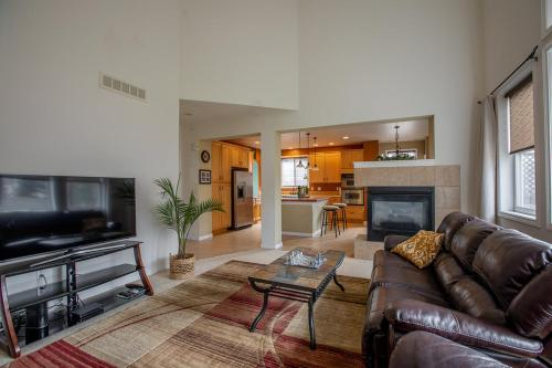 Luxury Retreat With Backyard Oasis And Private Hot Tub - Fort Collins, CO 80525