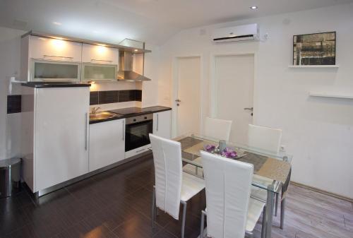 Villa Toni Design Apartments - image 8