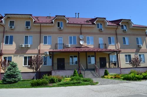 . SunLake Hotel Osokorki