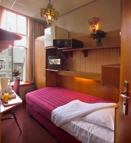Nadia Hotel photo 23