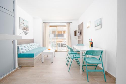 Photo - Apartamentos Lago