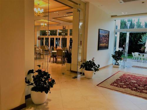 Фото отеля Grand White City Hotel