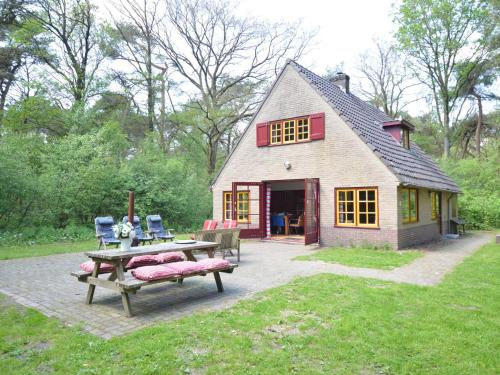 . Cozy Holiday Home by the Forest in Zuidwolde