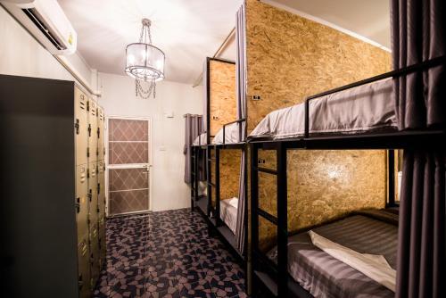 Фото отеля Buathai Loft Hostel Hua Hin