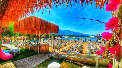 Oludeniz Golden Sand Beach Club & Caravan Holidays tek gece fiyat