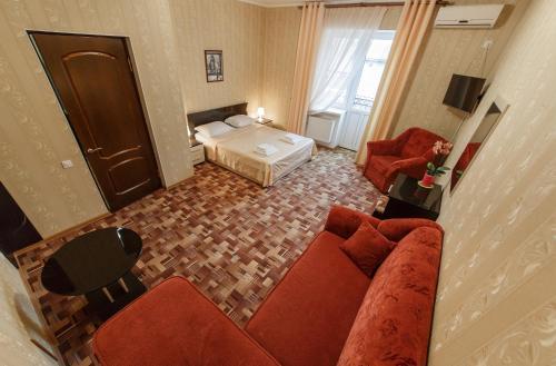 Chelsi Hotel