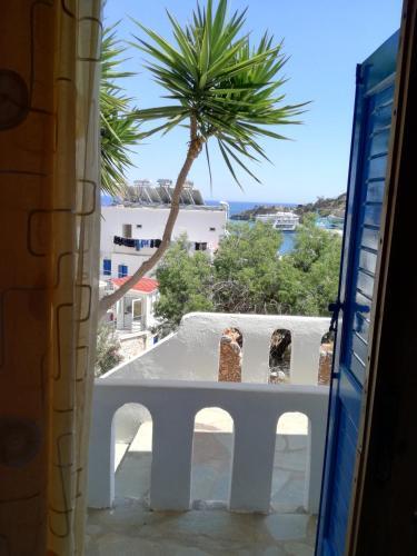 . Oasis Hotel Loutro