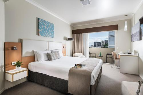 Фото отеля Grand Hotel and Apartments Townsville