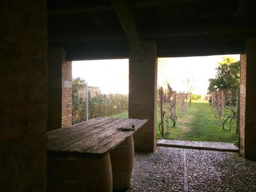 Via S. Nicola, 24, 66010, Casacanditella, Italy.