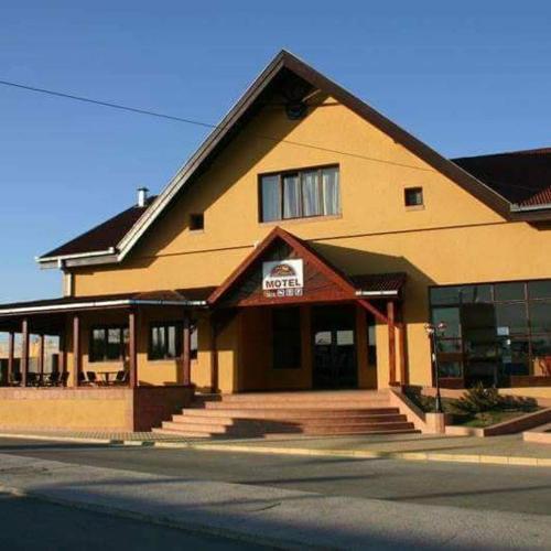 . Motel Restaurant Lowe