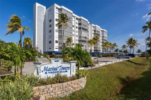 Marina Towers 304 - Fort Myers Beach, FL 33931