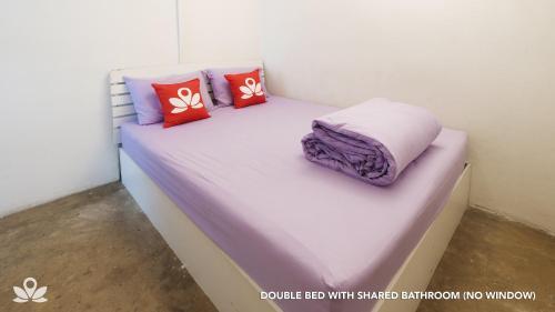 ZEN Rooms Bangkok Hub photo 16