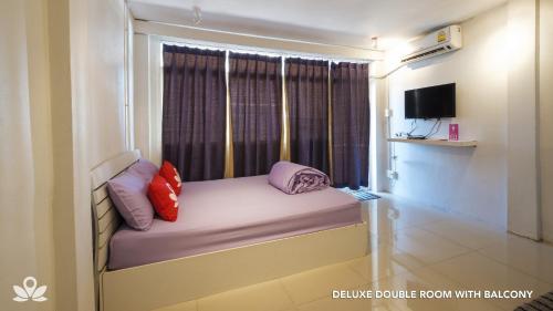 ZEN Rooms Bangkok Hub photo 24