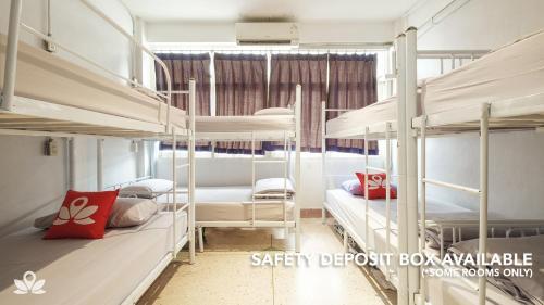 ZEN Rooms Bangkok Hub impression