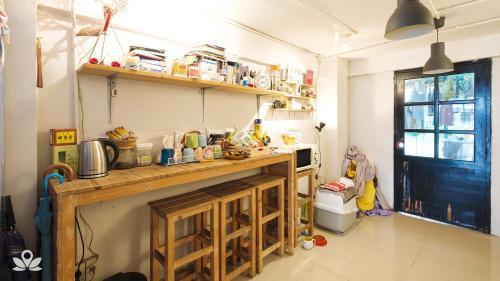 ZEN Rooms Bangkok Hub photo 37