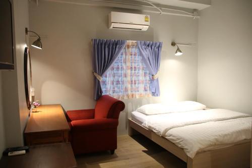 Foto - Kinnon Deluxe Hostel Coworking Cafe
