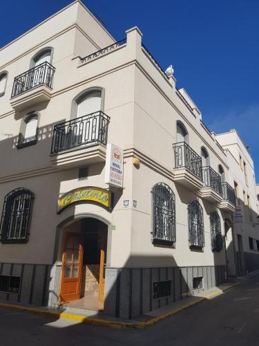 . Hostal San Andres